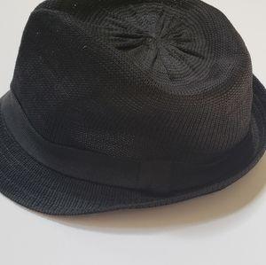 Divided H & M men's hat size S/M